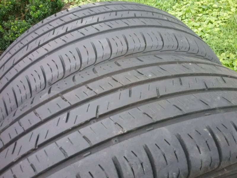 Pair of tires ..... 215 55 17 7