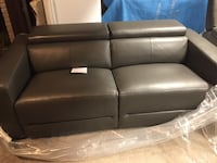 Couch power recliner brand new Georgina, L4P 3E9