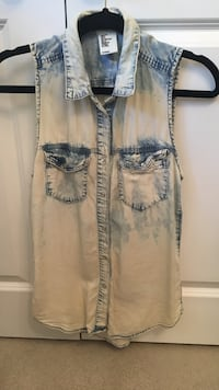 """H&M """"washed"""" denim look top. Size Small  Brantford, N3R 2T5"""