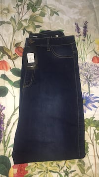 fashion nova jeans dark wash size :15 Alexandria, 22309