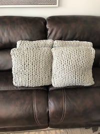 Set of 4 Cable Knit Pillows Vaughan, L6A 3T5