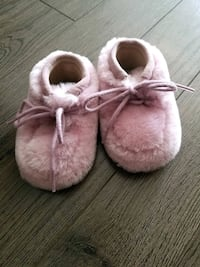 Baby fairy uggs shoes size  2.5US