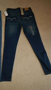 Brand new Levi's girl Jean's with tag Milton, L9T 6Z4