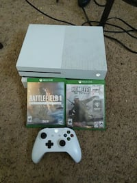 white Xbox One console with controller and game ca Pueblo, 81005