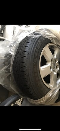 2012 Jeep Grand Cherokee wheels and tire Set Aldie, 20105