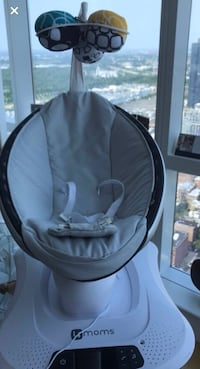 Baby Soothing seat- MamaRoo- for infants