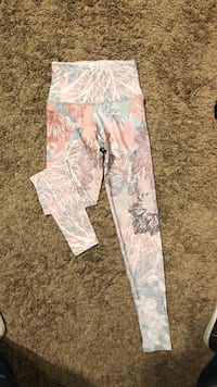 White and blue floral pants Thousand Oaks, 91362