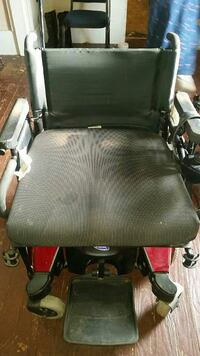 Electric wheelchair with oxygen tank  Cynthiana, 41031