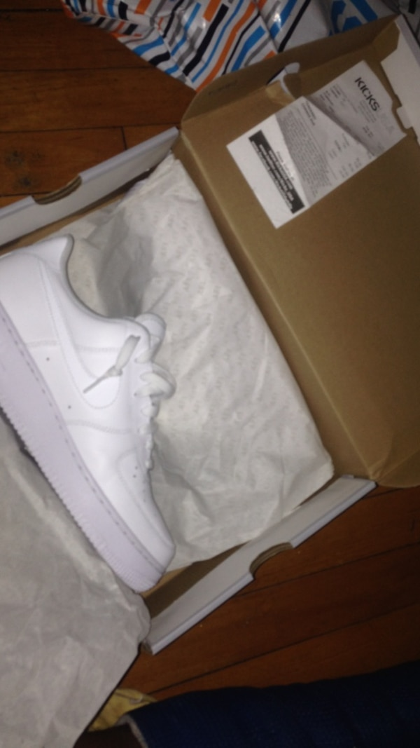 52e7b59894a7 Used white nike air force 1 low tops in box for sale in Newark - letgo