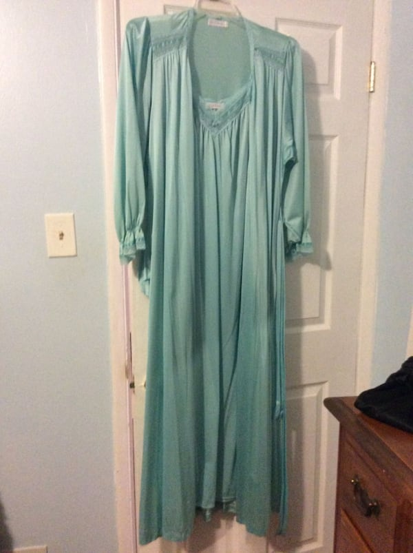 JUST REDUCED MORE  night gown and robe  a1e793d8-3776-4cf9-bcbd-c26a49359d0f