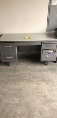 Large Gray metal desk Vancouver, 98684