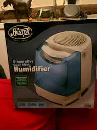 Hunter humidifier 2.0 gallon 12 hour runtime small rooms Perry Hall