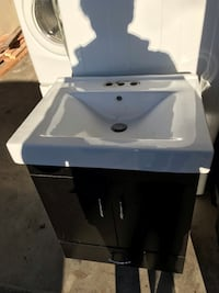 "24"" Vanity sink and cabinet  Surrey, V4N 2V7"