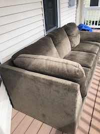 Couch Medford, 02155