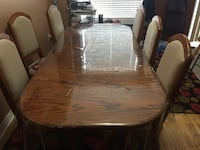 Brown wooden dining table set in good condition to go . Brampton, L6V 4R9