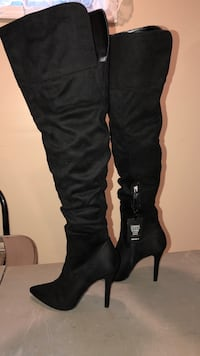Knee high boots  Harvard, 60033