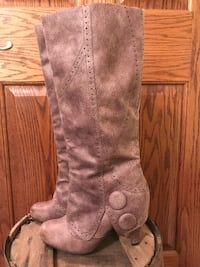 Not rated taupe boots.  Size 6  Ridgeville Corners, 43555