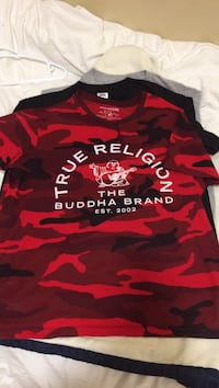 Rare blood red camo true religion t shirt $75 obo with tags