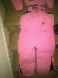 Great pink Girls snow suit