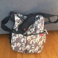 Skip Hop Baby Bag / Diaper Bag with Change Pad Roblin, R0L