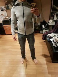 gray hoodie small Laval, H7L 5J6
