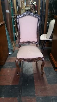 Vintage style chair w/ pink cloth Los Angeles, 90033