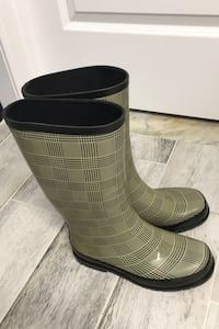 Women/girls rain boots. Nine West, size 7. Montreal, H1E 5Z6