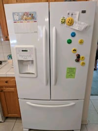 Maytag refrigerator (excellent condition) Fresno, 93711