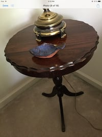 Antique table  Camp Hill, 17011