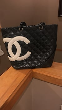 black leather quilted Chanel bag Coquitlam, V3E 2N6