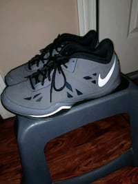 pair of gray Nike basketball shoes Ames, 50010