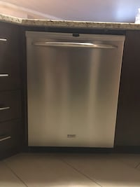 Dishwasher stainless steel kenmore works great. 50$ Dollard-Des Ormeaux