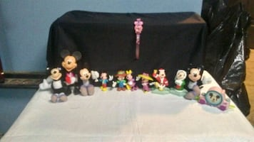 Mickey Mouse and Minnie Mouse figures