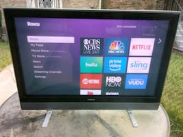 Hitachi 42 inch display with HDMI port and Roku