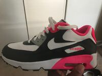 Women air max size 6.5 128 mi