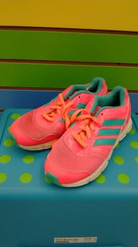 (409) Girl's Sneakers ADIDAS Size 3
