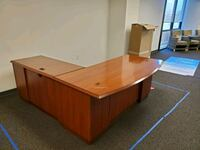 FREE Office desk Tysons, 22182
