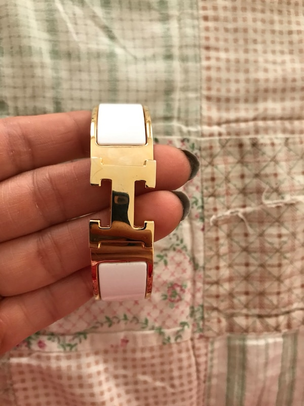 Hermès click clack bracelet may be inspired