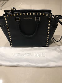 Authentic Michael Kors Leather Bag Montreal