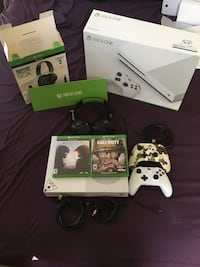 Xbox One s Bundle includes(xbox one console, turtle beach recon 50X headset, call of duty WW2, Halo 5, 1wireless controller, 1wired pro gaming controller with elite buttons, all cords included, with the boxes) Baltimore, 21222