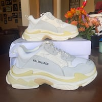 UA White Balenciaga Triple S shoes Milton