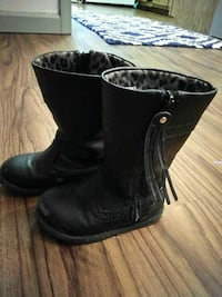 Girls size 7 boots Redford Charter Township, 48239