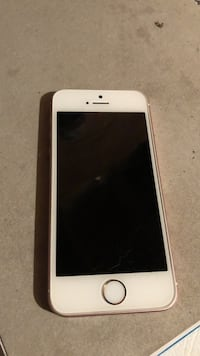 white iPhone 5 with case Mississauga, L5N 6Z4