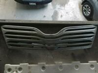 2009 - 2012 toyota Venza grill OEM  Vaughan