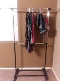 Clothes rack in box like new Gilbert, 85298