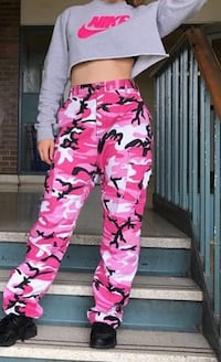 Pink cargo pants (SIZE SMALL)