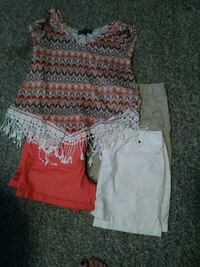 4 piece outfit Lansing, 48910