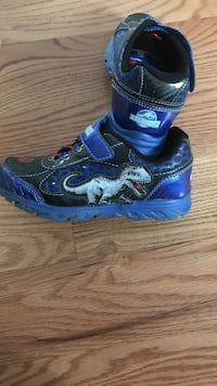 Jurassic park light up shoes size 13 St. Clair Shores, 48082