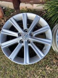 3 Toyota 17 inch Camry XLE 2012 -2014  Excellent Original Aluminum with lug nuts Cedar Hill, 75104