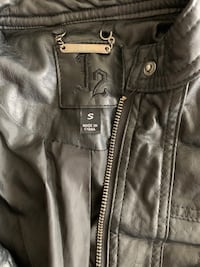 Brrrr!! J2 leather jacket size S. Lightly used. Las Vegas, 89128